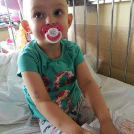 Weronika zaczęła przyjmować kwas 13-cis-retinowy w tabletkach